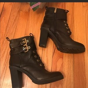 GUESS: Chunky Heel Combat Boot (Plaid Lining)
